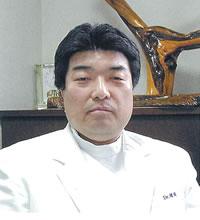 増岡 秀次